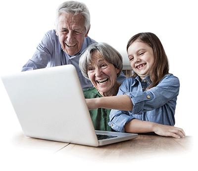 Grosseltern und Enkel freuen sich über digitalisierte Hi8