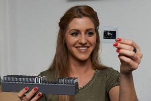 Dias digitalisieren mit Dia-Scanner aus Diamagazin